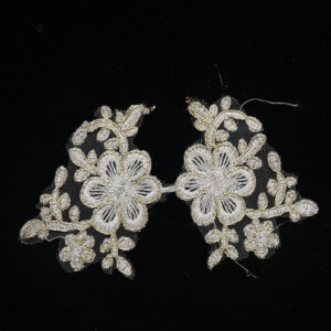 pearl white lace collar